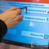 Funktioniert mit jedem Touchscreen: Geld abheben oder Zug-Ticket kauf künftig ohne Infektionsrisiko